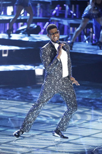"""Usher performs his new single """"Twisted"""" on The Voice."""