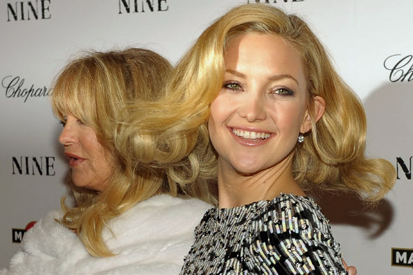 kate-hudson-goldie-hawn-blonde