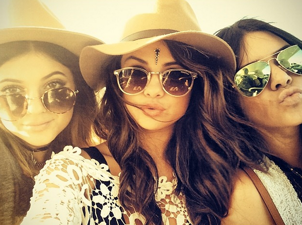 selena-gomez-and-kendall-and-kylie-jenner-at-coachella-2014