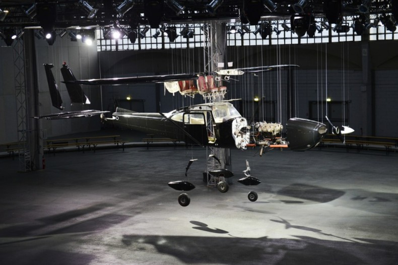 Givenchy_Plane