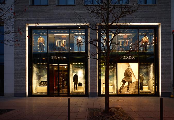 Prada-Frankfurt-Mens_ext-1