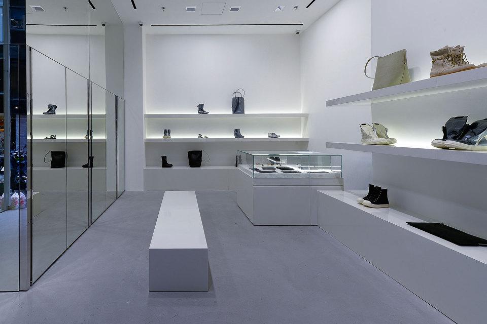 rick-owens-freestanding-store-hong-kong-005-960x640