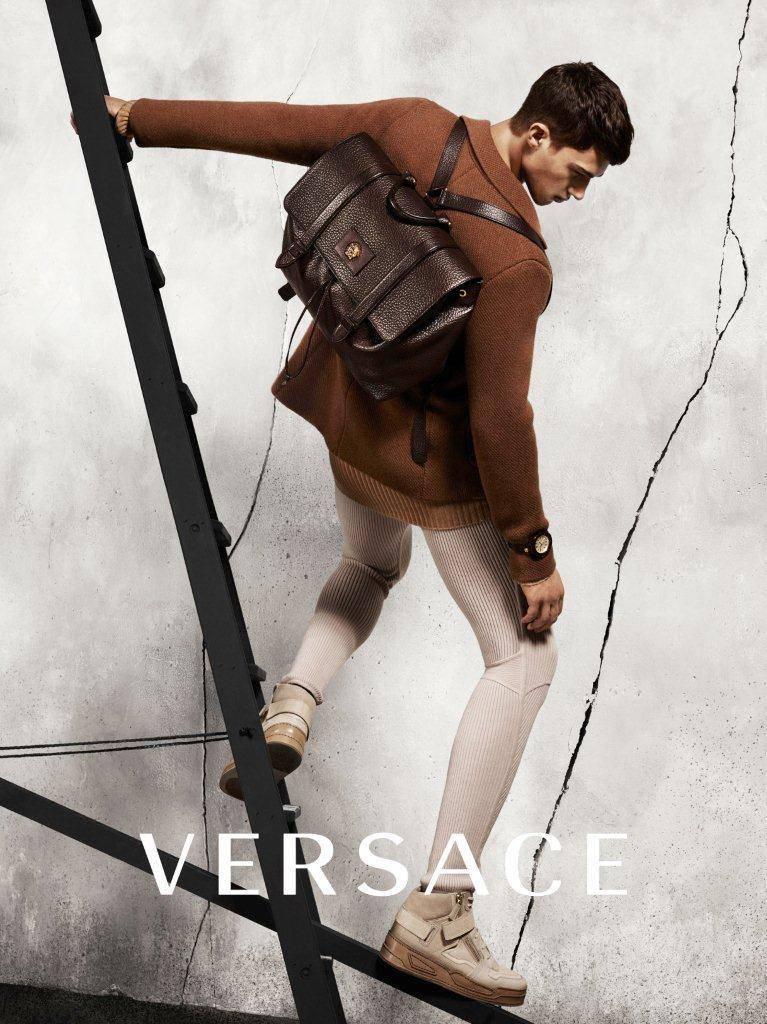 versace-fw-2015-adv-00