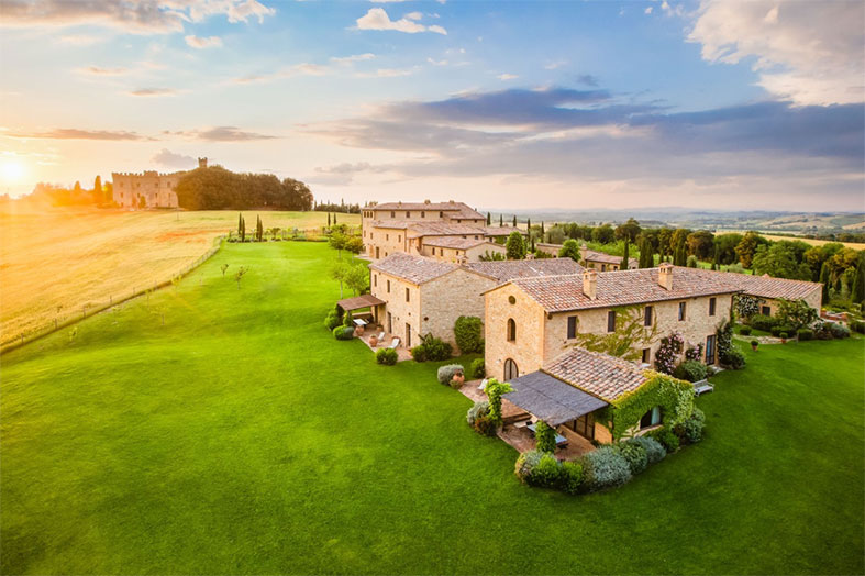 Airbnb Luxe in Tuscany