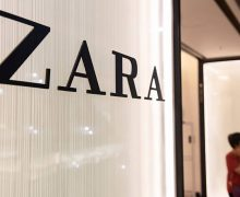 HONG KONG - 2019/04/26: Spanish multinational clothing design retail company by Inditex, Zara, store and logo seen at Times Square shopping mall in Causeway Bay. (Photo by Budrul Chukrut/SOPA Images/LightRocket via Getty Images)