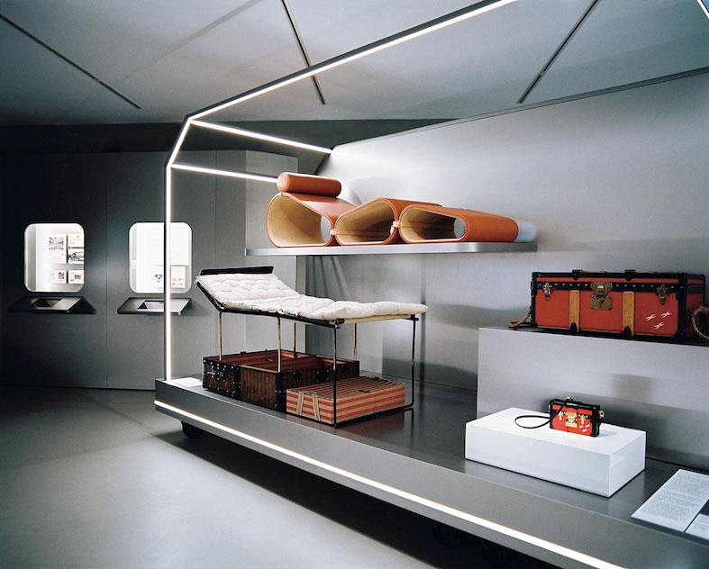 Louis Vuitton Astieres