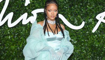 Fenty)Rihanna-